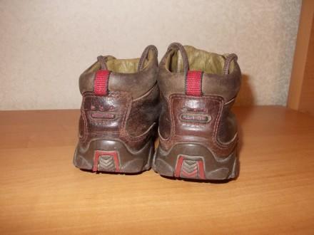 Демисезонные ботинки коричневого цвета (имеются вставки красного цвета) на шнурк. Днепр, Днепропетровская область. фото 5