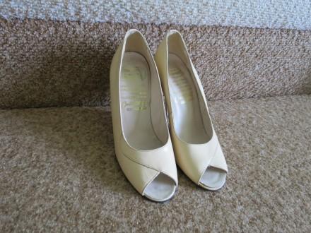 Бежевые кожаные туфли. Черновцы. фото 1