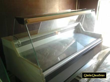 Холодильная витрина. Дубровица. фото 1