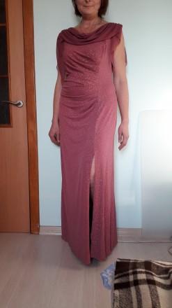 Очень красивое вечернее платье розово-сиреневого цвета с разрезом вдоль ножки. С. Киев, Киевская область. фото 2