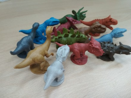 Динозавры-набор фигурок  в альбоме. Днепр. фото 1