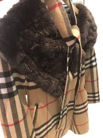 """burberry""""- відома фірма, якої є це пальто. Воротник-25см, довжина-82см, плече-5 . Киев, Киевская область. фото 2"""