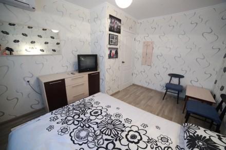 Сдам посуточно 1 комнатную квартиру на Таирова ( пр. Глушко 30/2) на 3 этаже 9 . Таирова, Одесса, Одесская область. фото 4