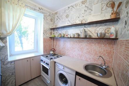 Сдам посуточно 1 комнатную квартиру на Таирова ( пр. Глушко 30/2) на 3 этаже 9 . Таирова, Одесса, Одесская область. фото 5