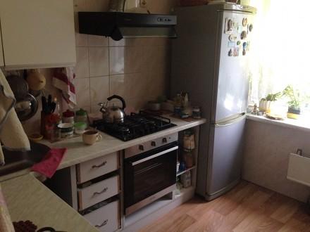 Подселение для девушки второй в комнату на Харьковском. Киев. фото 1