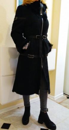 Дубленка длинная женская с высоким воротником Б/У черного цвета на молнии Киев. Киев. фото 1