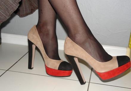 Замшевые туфли бежевые новые на платформе на высоком каблуке разм. 40 Элегантны. Одесса, Одесская область. фото 2