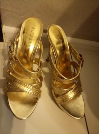 Босоножки золотые на высоком каблуке фирмы Blossem разм.40. Одесса. фото 1