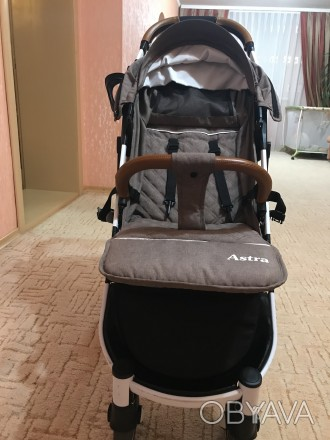 Детская Коляска в идеальном состоянии. Пользовались меньше месяца, не смотря на . Сумы, Сумская область. фото 1