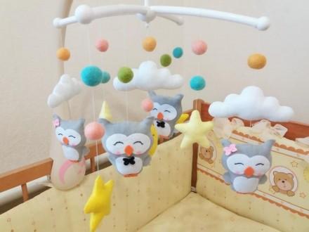 Мобиль из фетра ручной работы в детскую кроватку. Фастов. фото 1