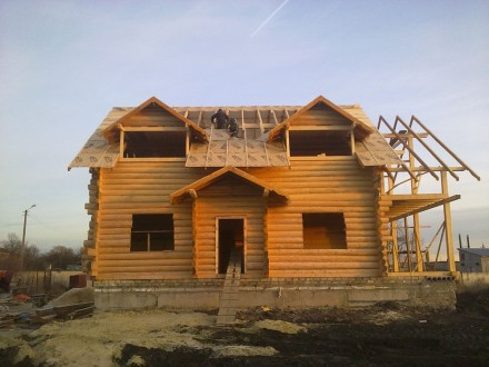 Дачні будинки дерев'яні гаражі альтанки господарські будівлі. Верховина. фото 1