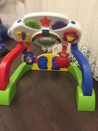 Chicco музыкальный игровой развивающий центр быть ножками. Волчанск. фото 1