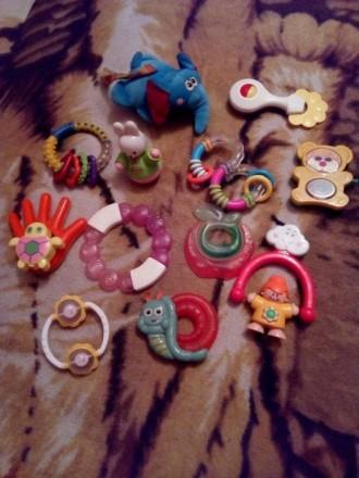 Погремушки, прорезиватели для зубов, развивающие игрушки 13 шт. Киев. фото 1