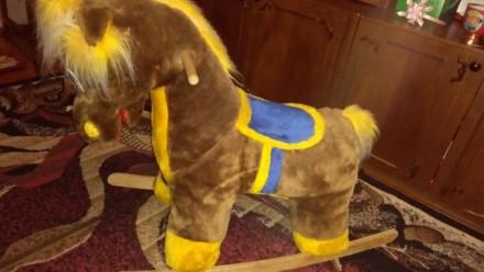 Конь-качалка. Сумы. фото 1