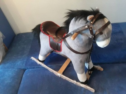 Лошадь качалка. Кривой Рог. фото 1