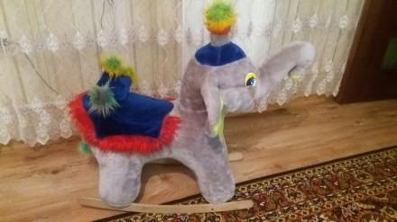 Слон-качалка. Киев. фото 1