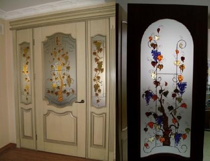 Двери с витражами.. Чернигов. фото 1