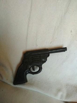 Игрушечный пистолет. Киев. фото 1