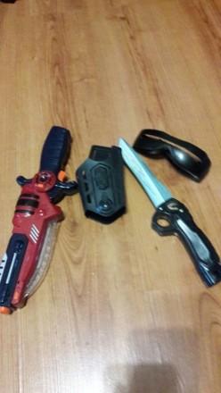 Набор для мальчика .Пистолет и нож.. Покровск (Красноармейск). фото 1