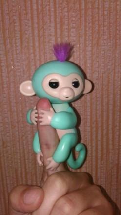 Интерактивная обезьянка fingerLings monkey happy на палец обезьяна. Коростышев. фото 1