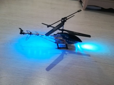 Вертолёт радиоуправляемый. Ирпень. фото 1