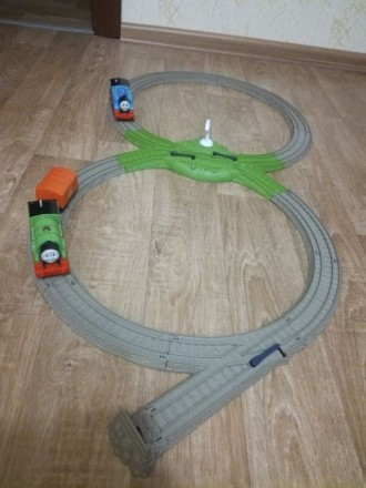 Продам железную дорогу и паровозики Томас и Перси. Днепр. фото 1