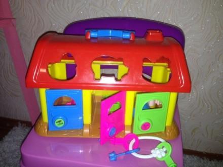 Развивающая игрушка Домик-Сортер. Днепр. фото 1