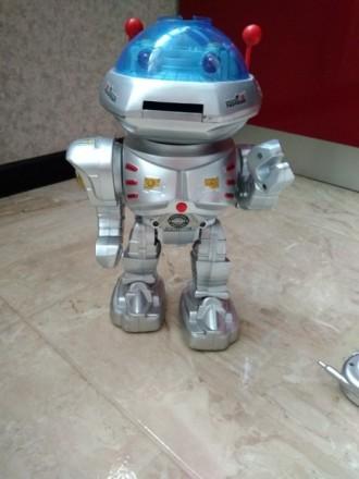 Робот игрушка. Киев. фото 1