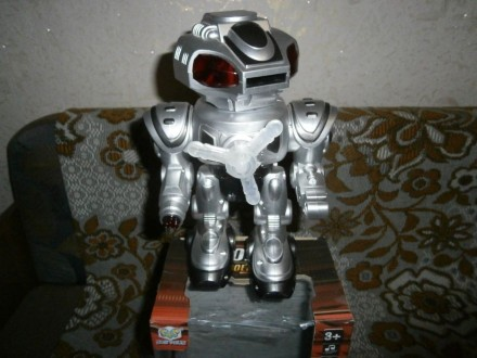 Продам игрушка робот. Кролевец. фото 1
