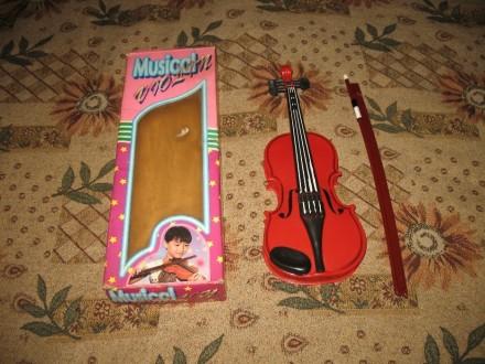 Іграшкова скрипка. Ивано-Франковск. фото 1