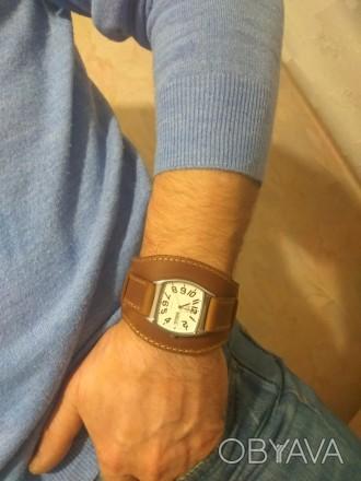 Кожаный браслет - ремешок для часов