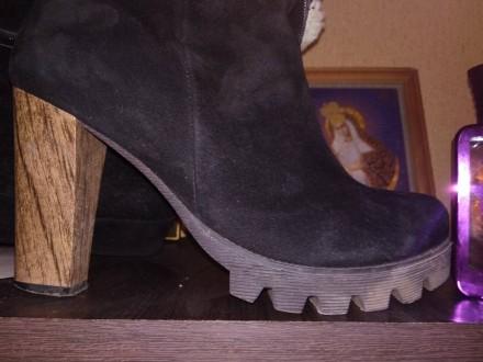40 размер , длинна каблука 10 см , длинна стельки 23 см ,  в халяве обхват 16 см. Слов'янськ. фото 1