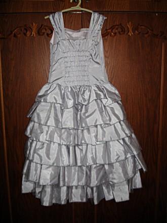 Продам изысканное, красивое, нарядное платье на девочку 5-7 лет. Размер 116. По . Черкассы, Черкасская область. фото 3