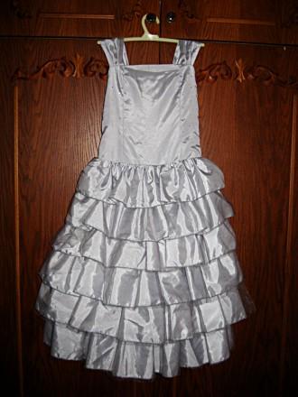 Продам изысканное, красивое, нарядное платье на девочку 5-7 лет. Размер 116. По . Черкассы, Черкасская область. фото 2