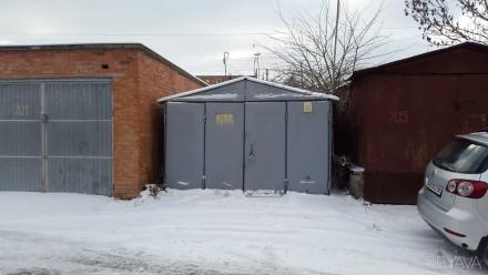 Железный гараж в ГСК  Пирогово в хорошем состоянии не гнилой ,крыша не погнута. . Пирогово, Винницкая область. фото 1