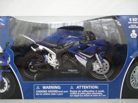 Модель мотоцикл 1:12 Yamaha R1 2008 New Ray коллекционна игрушка новая хорошаяя. Львов. фото 1