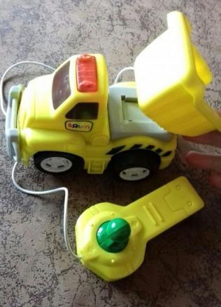 Машинка на управлении Toys. Желтые Воды. фото 1