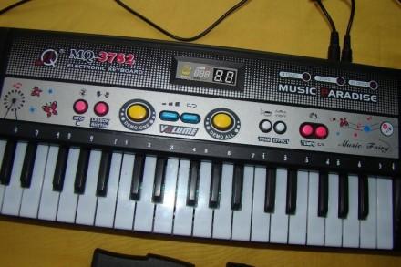 Синтезатор-пианино. Ковель. фото 1