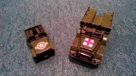 Две машинки. Бердянск. фото 1