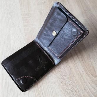 e89e391f793f Мужской кожаный кошелек с уникальным тиснением