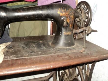 Породам швейную машинку singer. Городня. фото 1