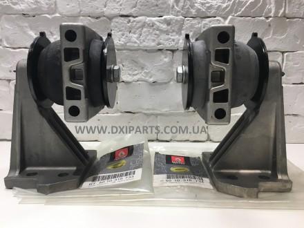 Комплект Кронштейнов двигателя Рено Маскот ( правый и левый ). Ровно. фото 1
