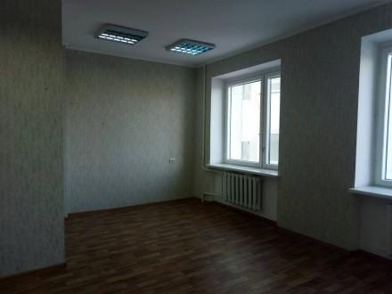Сдам офис с подведенной  водой  в центре города. Чернигов. фото 1