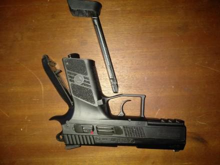 Типгазобаллонный Форм-фактор-пистолет Копия боевого пистолета-CZ 75 Длина ст. Борисполь, Киевская область. фото 3