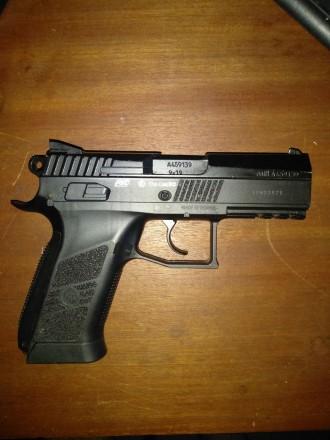 Типгазобаллонный Форм-фактор-пистолет Копия боевого пистолета-CZ 75 Длина ст. Борисполь, Киевская область. фото 2