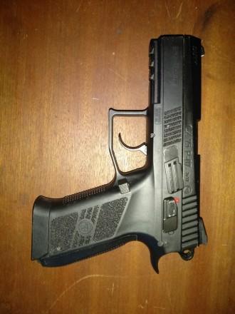 Типгазобаллонный Форм-фактор-пистолет Копия боевого пистолета-CZ 75 Длина ст. Борисполь, Киевская область. фото 4