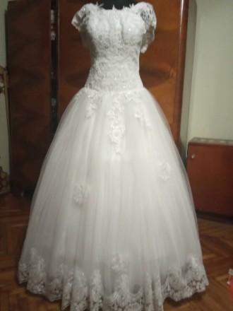 Свадебное платье. Городок. фото 1