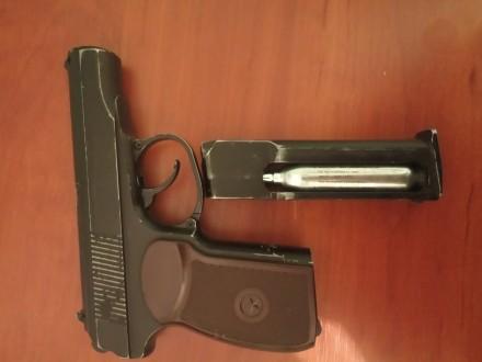 Пистолет б/у прекрасно стреляет, не травит, отбит предохранитель, слазит краска,. Полтава, Полтавская область. фото 5