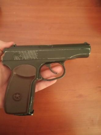 Пистолет б/у прекрасно стреляет, не травит, отбит предохранитель, слазит краска,. Полтава, Полтавская область. фото 4