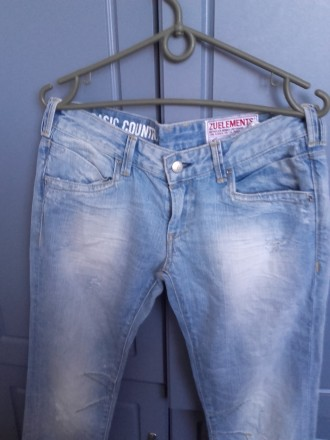 Класичні джинси - купити джинси на дошці оголошень OBYAVA.ua baf1b1167573e